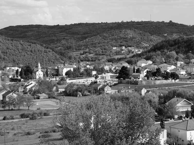 Crkve Sv. Jeronima (na groblju) i nova Sv. Mihovila (foto: J. Dukić)