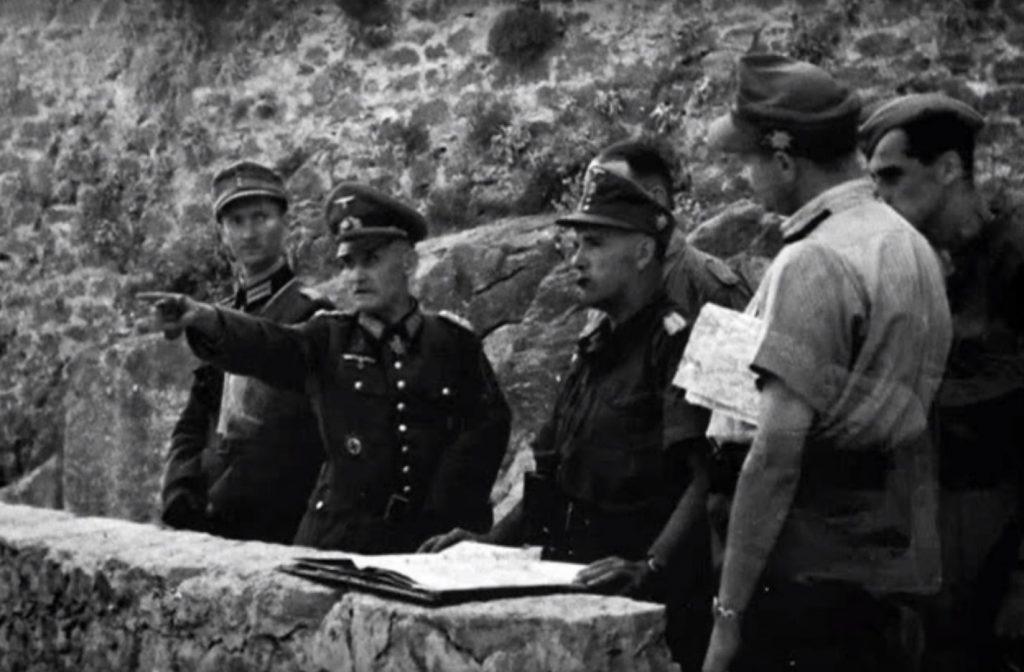 General Rudolf Lüters , zapovjednik XV. SS korpusa, s kliške tvrđave rukovodi zauzimanjem Splita