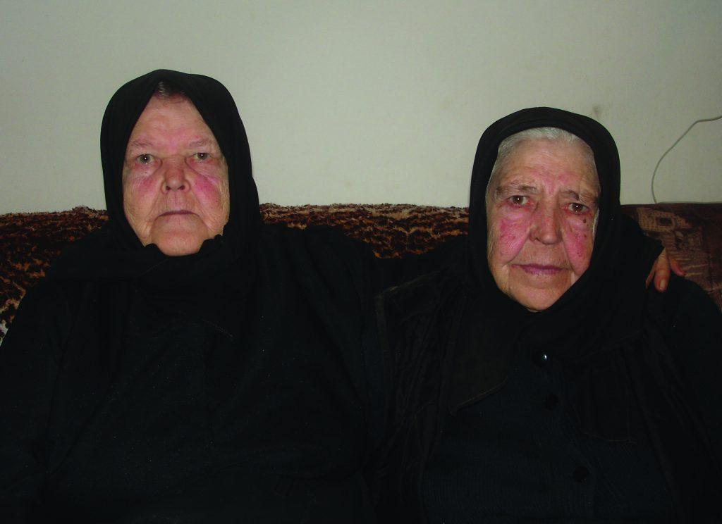 Kata Bakić, (rođ. 1929.) i Pera Kažimir, (rođ. 1931.), sestre rođene Žolo