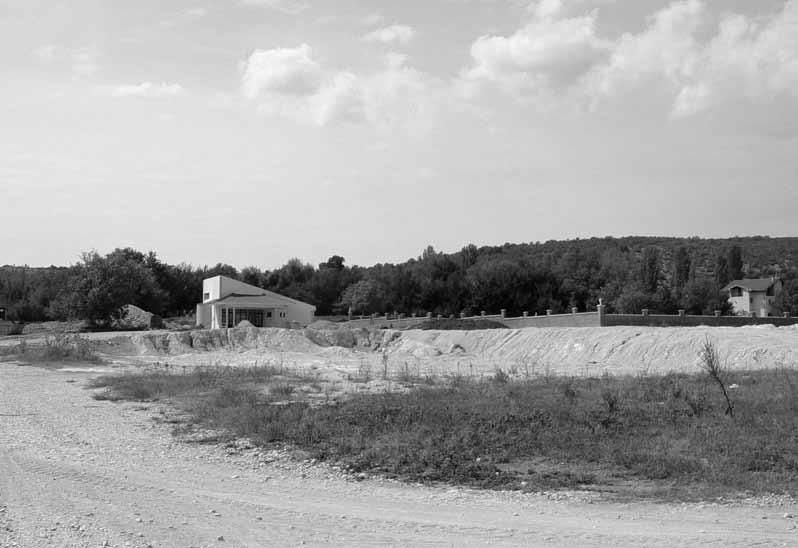 Novo groblje i mrtvačnica na Metlinama, 7. IX. 2003. (f. J. Dukić)