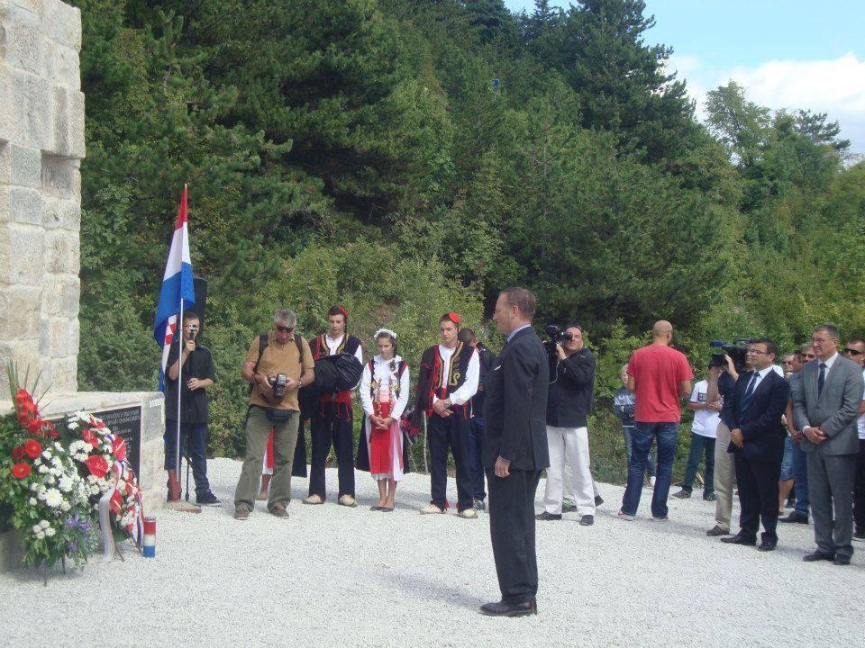 Zamjenik njemačkog veleposlanika u Hrvatskoj Valentin Gescher se poklonio žrtvama